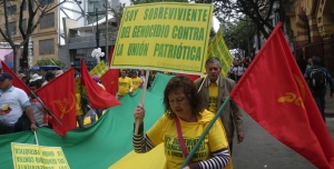 Survivors of the campaign of political genocide against the Unión Patriótica marched for peace last April in Bogotá.