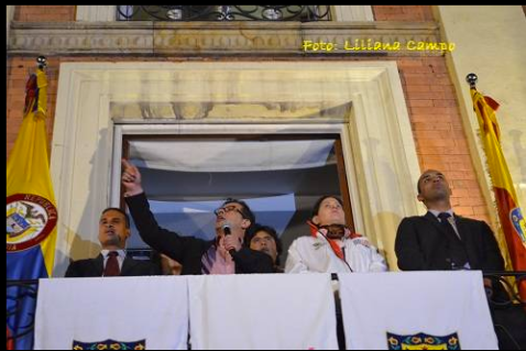 (Photo: Liliana Campo) Colombian gangsters have threatened to play football with Bogotá Mayor Gustavo Petro´s head if he doesn´t give up his campaign to stay on as mayor. The letter also threatens to assassinated Unión Patriótica presidential candidate Aída Abella and Congressman Iván Cepeda and a score of other left-wing candidates
